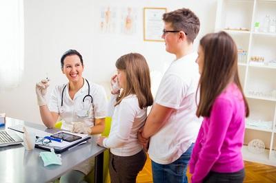 La pratique vaccinale des infirmières en Promotion de la Santé à l'école (PSE) en FWB ? Une innovation à bien réfléchir...