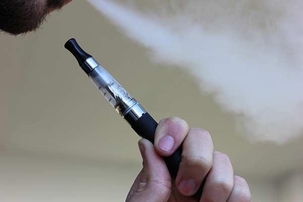 ES_337_e-cigarette-1301664_1920.jpg