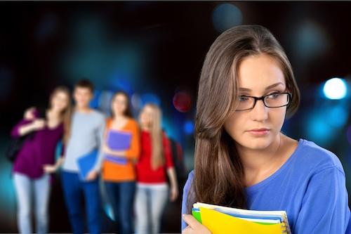 Harcèlement scolaire: proposer des outils aux professionnels