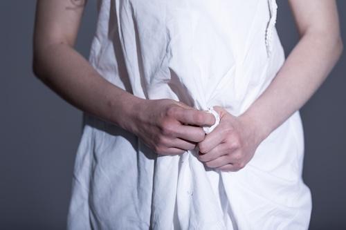 Femmes victimes de violences sexuelles: comment les aider à vivre après 'ça'?